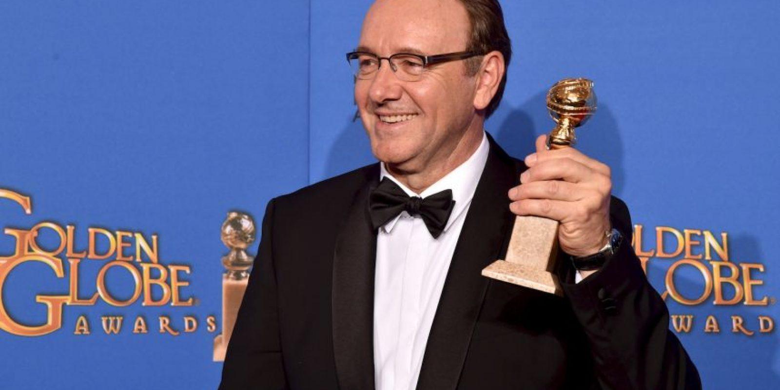 "Kevin Spacey ganó como Mejor actor de serie dramática por ""House of Cards"" Foto:Getty Images"