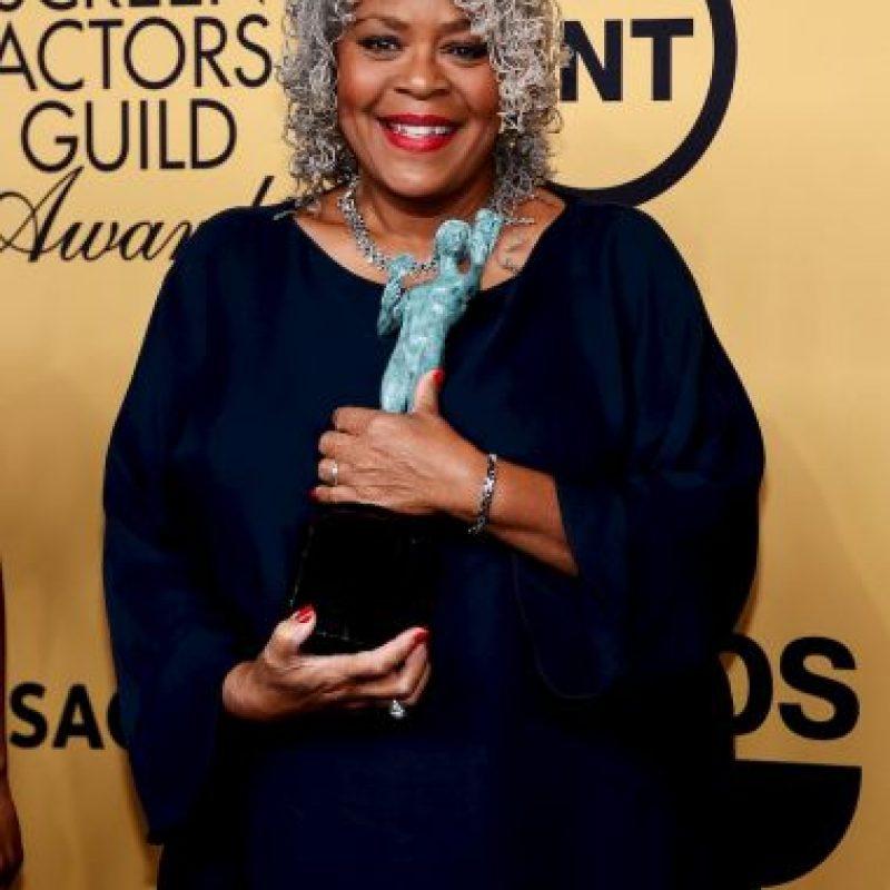 "Yvette Freeman como Mejor elenco de serie de comedia por ""Orange Is The New Black"". Foto:Getty Images"