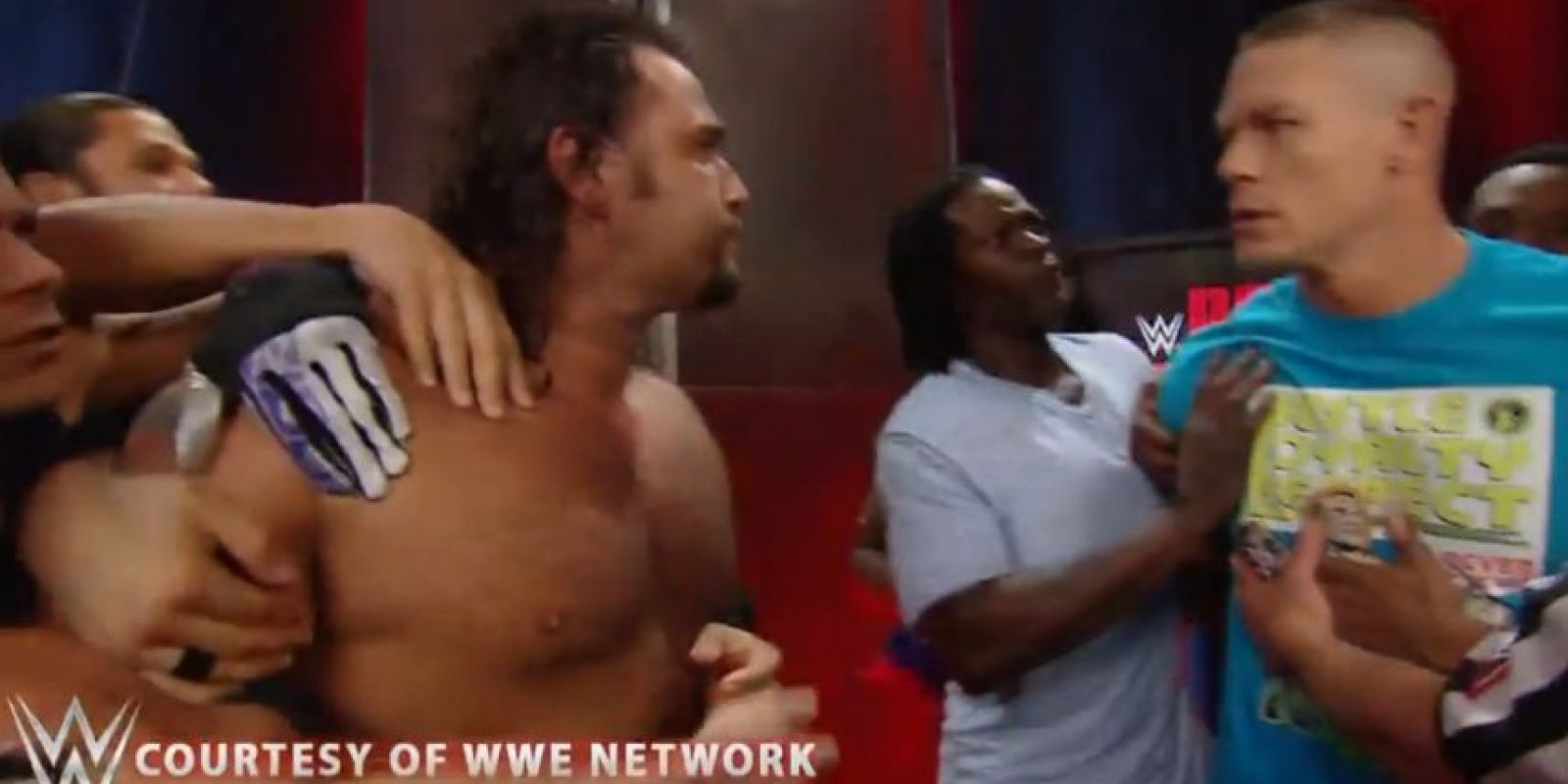 Y otras superestrellas los tuvieron que separar Foto:WWE