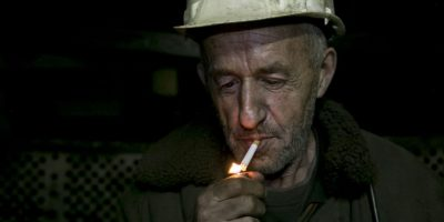 Los mineros constantemente piden mejores sueldos. Foto:AP