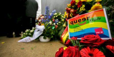Alemania: Ofrendas en memorial a las víctimas homosexuales del Holocausto Foto:Getty Images