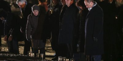 Francois Hollande, presidente de Francia, en la ceremonia oficial en Auschwitz Foto:Getty Images