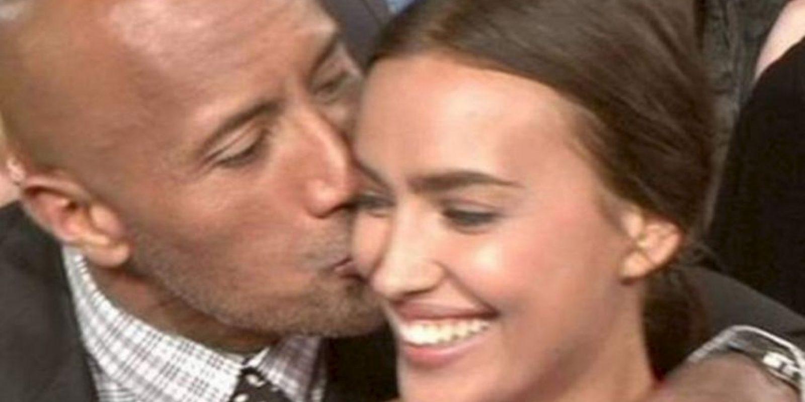 """La Roca e Irina tuvieron gran química en la grabación de la película """"Hércules"""" Foto:Twitter"""
