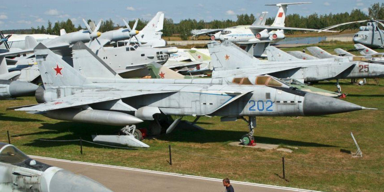 1. MiG-31E Foxhound. Velocidad máxima de Mach 2,83 (3.466,9 km/h) Foto:Wikimedia