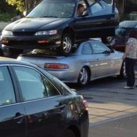 Estacionando. Foto:StupidPeople.com