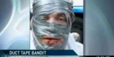 El que quiso robar y no se pudo quitar la máscara Foto:StupidPeople.com