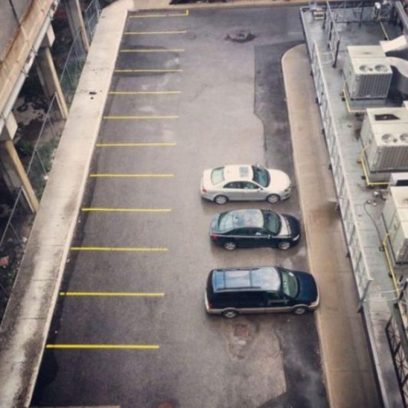 Es que las líneas están pintadas. Foto:StupidPeople.com