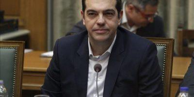 El primer ministro griego, Alexis Tsipras, dirige la primera reunión del consejo de ministros en el Parlamento en Atenas (Grecia) hoy. EFE