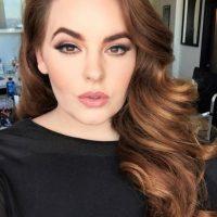 De hecho es talla 22, siendo así la más voluptuosa de todas las modelos conocidas. Foto:Tess Munster/Facebook
