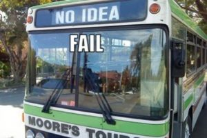 """Ni idea"". ¿Quién podría arriesgarse a subir? Foto:Tumblr.com/tagged/fail- transporte"