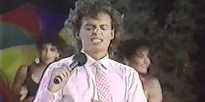 """En 1988 lanzó su álbum """"Busca una mujer"""" Foto:Youtube"""