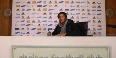 Procedente de la Fiorentina de Italia, Cuadrado llegó al Chelsea inglés por cerca de 40 millones de dólares con un contrato por cinco años y medio. Foto:twitter.com/ChelseaFC