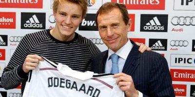 A sus 16 años de edad, Ødegaard firmó con el Real Madrid por seis temporadas con un sueldo de 112 mil dólares semanales. Foto:twitter.com/realmadrid