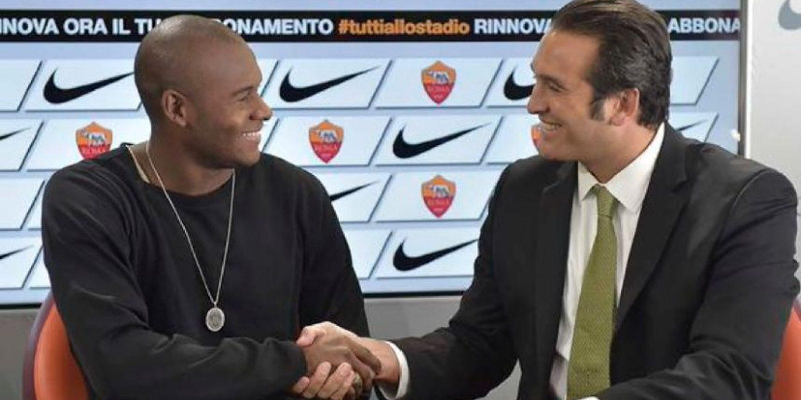 El delantero colombiano fichó seis meses por la AS Roma de Italia procedente del Cagliari con opción a compra de 13 millones de dólares. Foto:twitter.com/OfficialASRoma