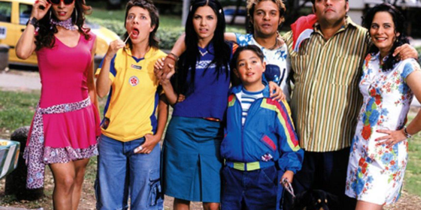 Los Reyes: Es el remake de la novela argentina 'Los Roldán'. Fue protagonizada por Enrique Carriazo, Geraldine Zivic, Diego Trujillo y Julián Román.