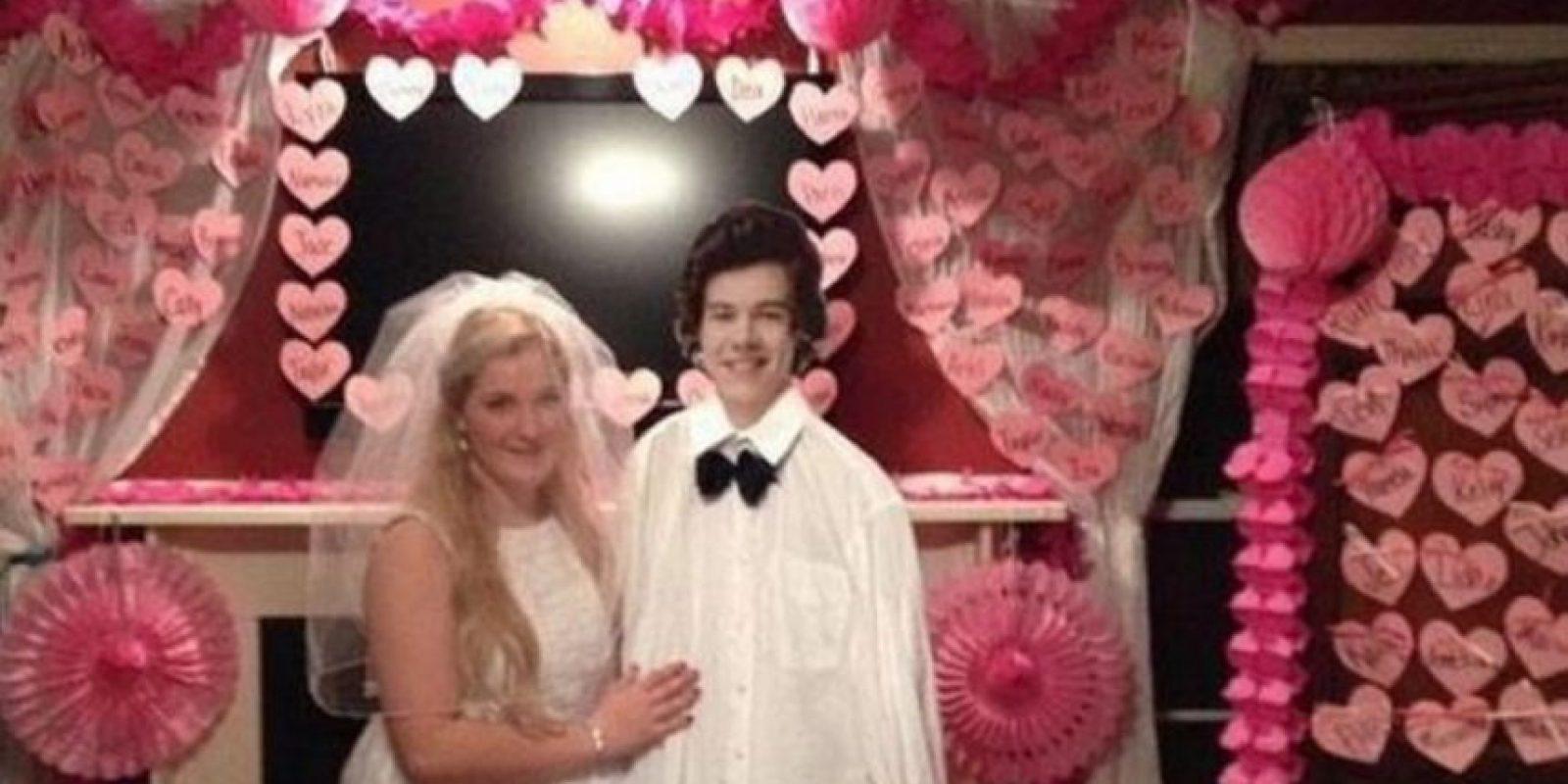 Harry cambiará a su novia modelo. Foto:Imgur