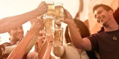 """4. Baja en azúcar. """"En comparación con las bebidas gaseosas, la cerveza es baja en azúcar """", dice la nutrióloga Kathryn O'Sullivan, quien el año pasado llevó a cabo una revisión científica de la cerveza. Foto:Tumblr.com/Tagged-cerveza"""