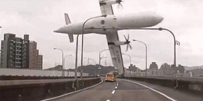 4 de febrero: Cae el vuelo GE235 de TransAsia Airways. De sus 58 ocupantes, murieron al menos 31. Foto:AFP