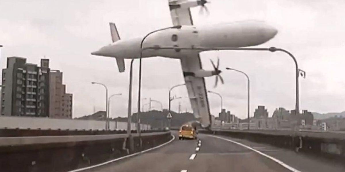 TransAsia: El cuerpo del piloto fue encontrado en una posición