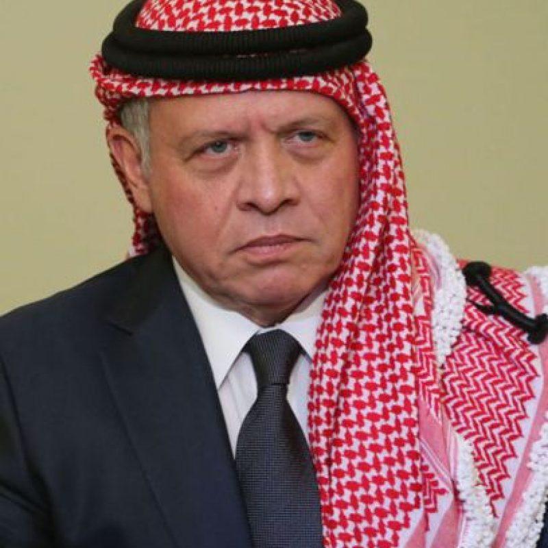 El rey de Jordania, Abdullah II, juró que se vengaría de ISIS por la muerte del piloto. Foto:AFP