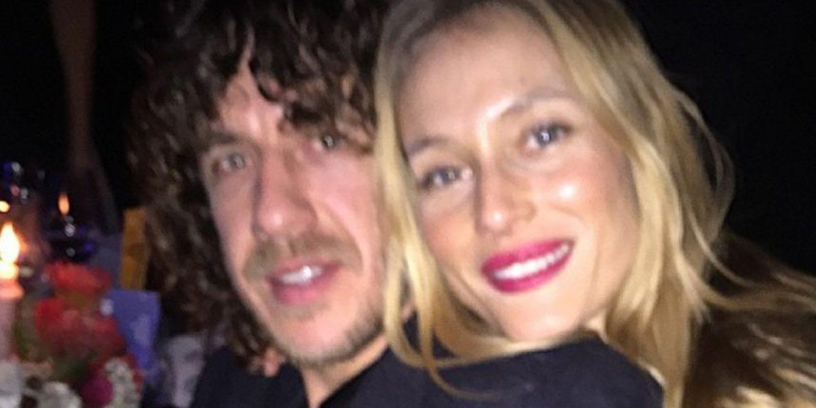 Mira las mejores imágenes de Puyol y su pareja Foto:Instagram: @carles5puyol