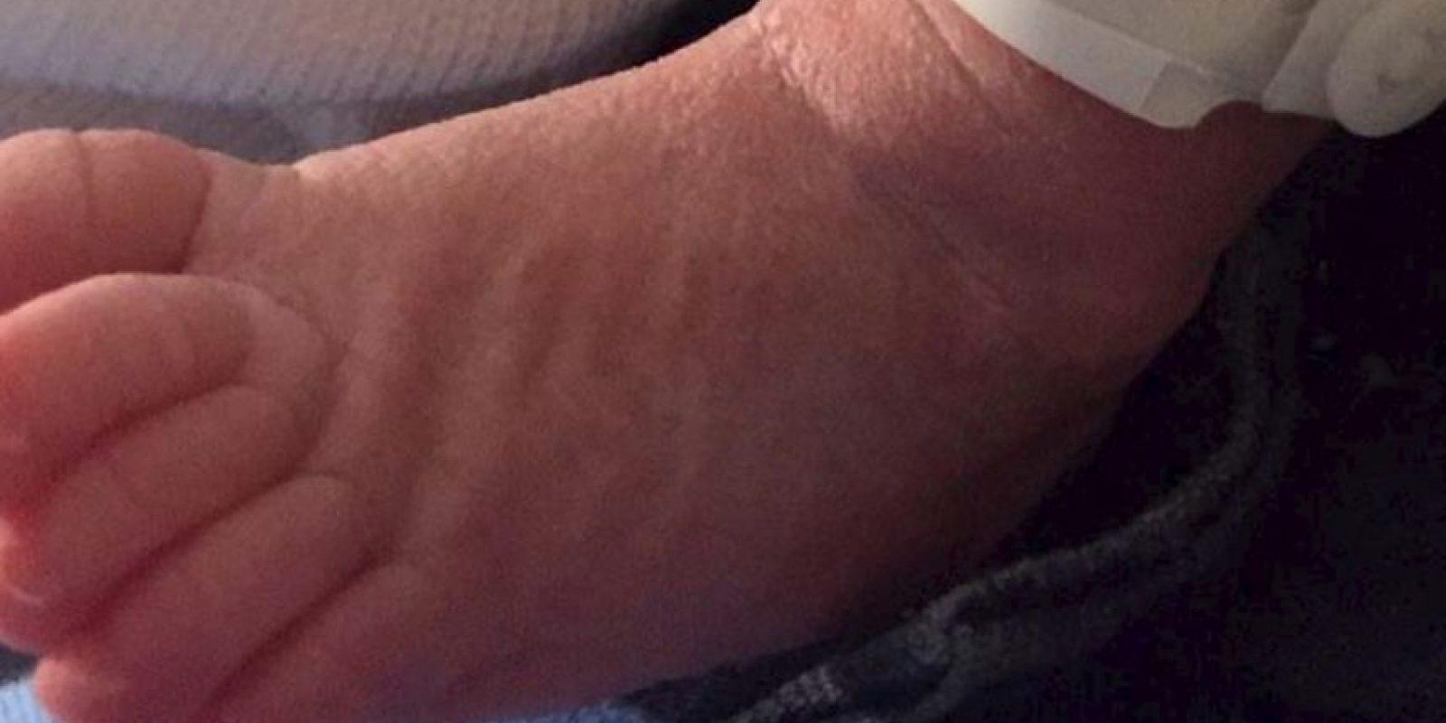 El pie de Sasha Foto:twitter.com/shakira