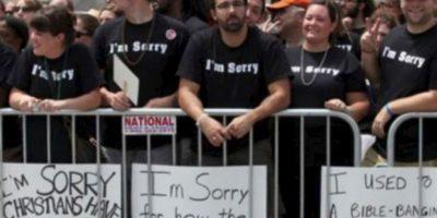 Estos cristianos se disculpan con los gays por su homofobia Foto:Tumblr