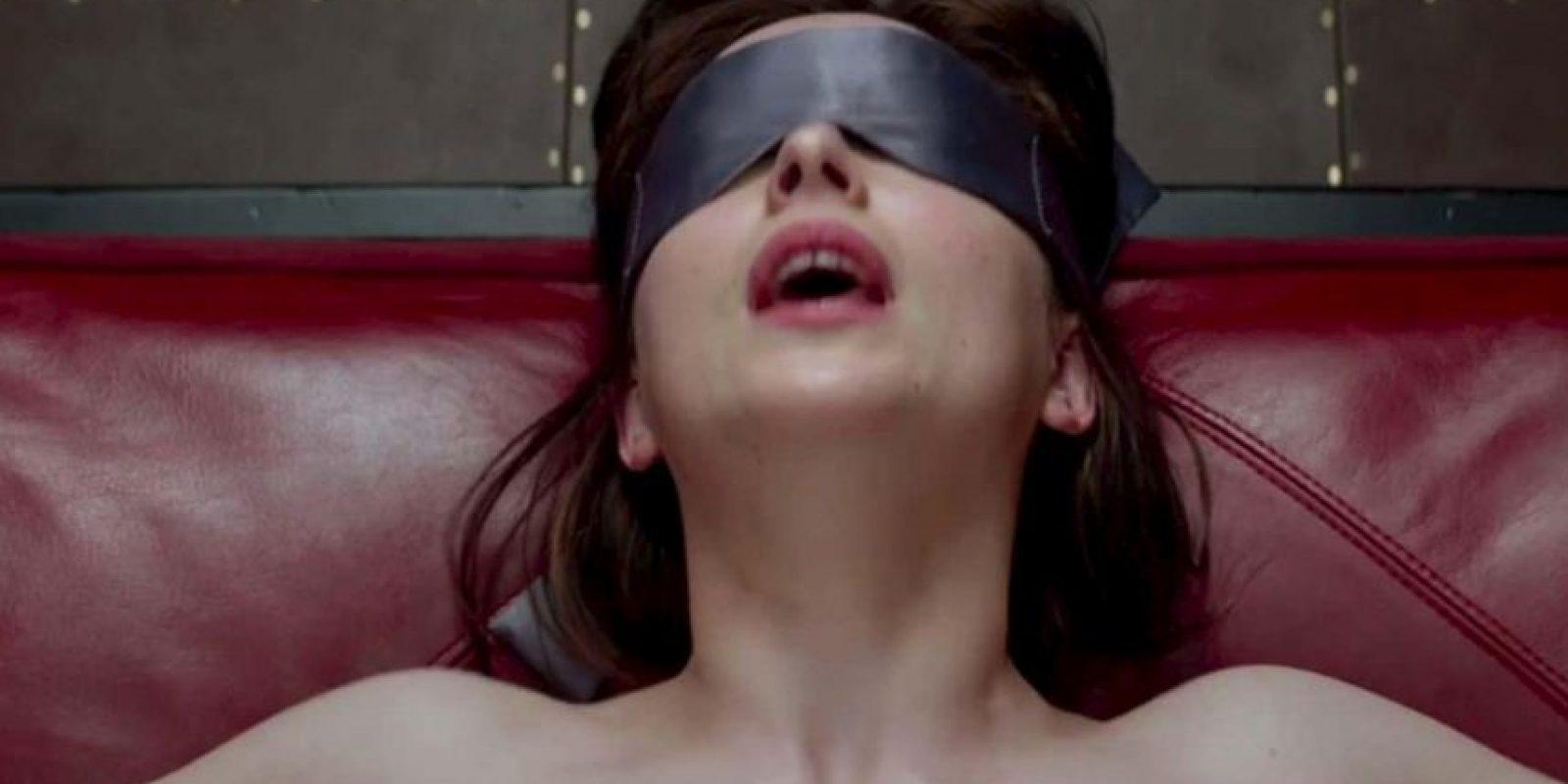 """La revista Cosmopolitan Estados Unidos entrevistó a una """"sumisa profesional"""", a propósito del estreno de """"50 sombras de Grey"""" Foto:Universal"""
