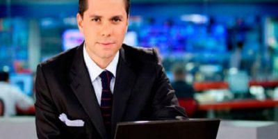 Luis Carlos Vélez: El periodista y exdirector de Noticias Caracol fue criticado fuertemente por 'llevar la noticia desde todos los ángulos'. Siempre viajaba a cualquier acontecimiento importante, sin importar que en otros países también trabajaran corresponsales.
