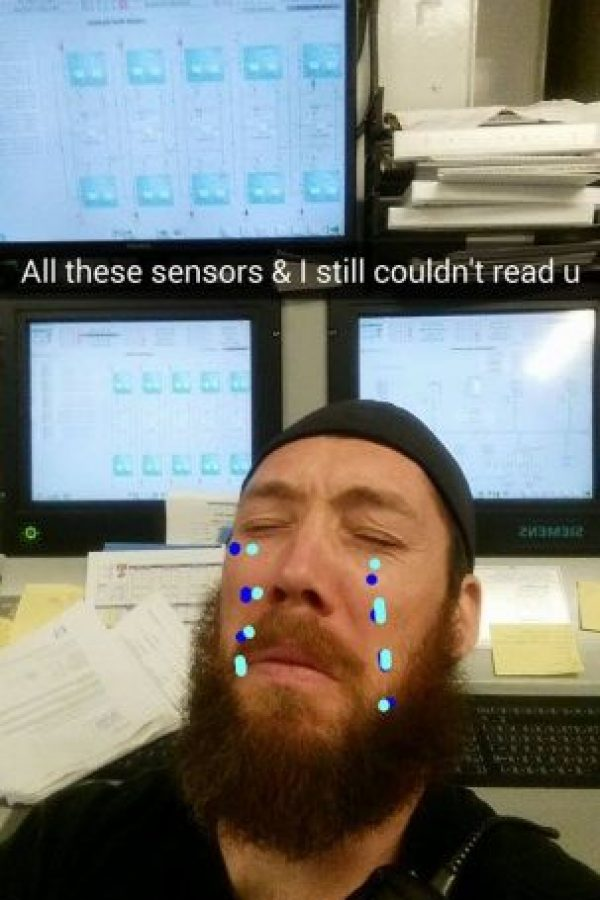 Subió fotos de sí mismo con lágrimas. Foto:Reddit