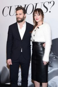 """Protagonistas del filme """"50 Sombras de Grey"""" Foto:Getty Images"""