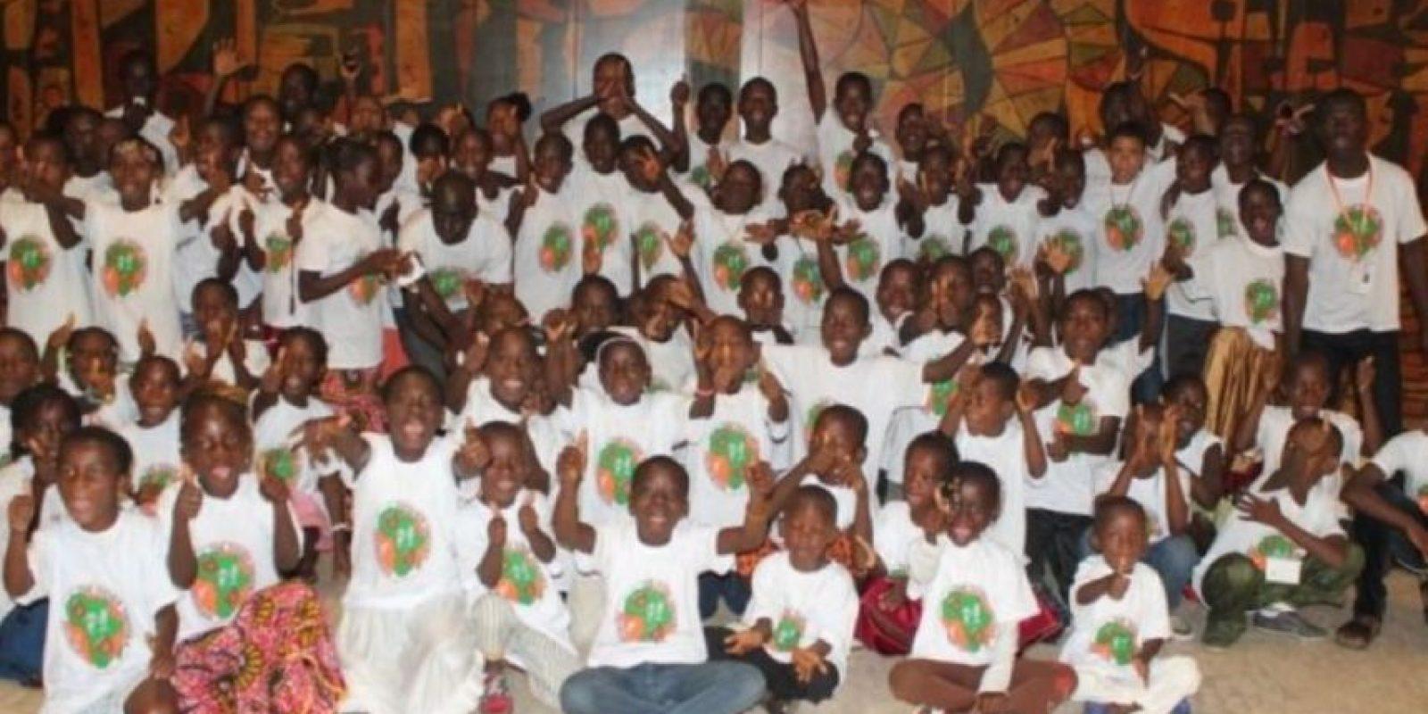 Didier apoya a la comunidad africana con alimentación, educación y salud. Foto:twitter.com/didierdrogba