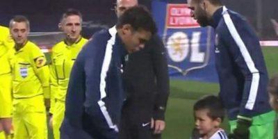 Thiago Silva demostró su amabilidad este fin de semana en un encuentro del PSG. Foto:Twitter