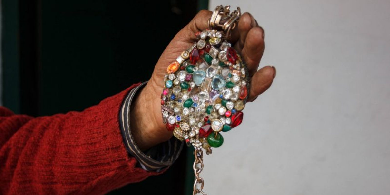 Contiene piedras preciosas y diamantes, dice. Foto:Juan Pablo Pino / Publimetro