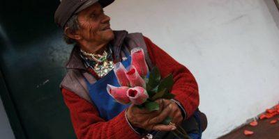 Y charla con todo el que pase por el lugar. Foto:Juan Pablo Pino / Publimetro