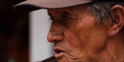 Él es uno de los personajes que da color y vida al parque El Virrey. Foto:Juan Pablo Pino / Publimetro