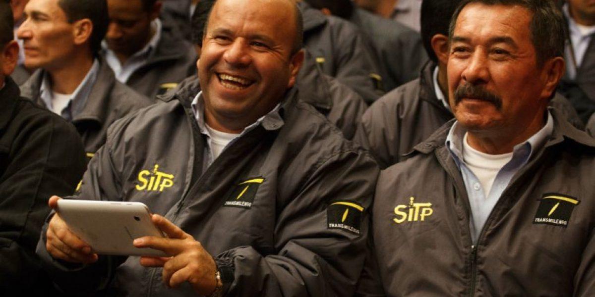 Conductores del SITP se graduaron para hacer mejor el servicio