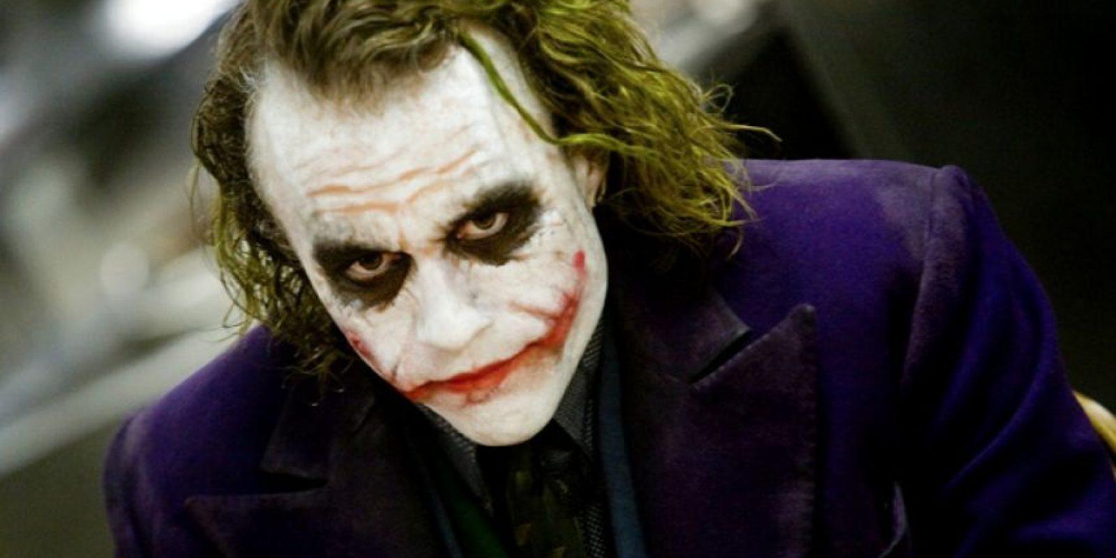 The Joker, Heath Ledger, el actor se encerró en el cuarto de un hotel por un mes y confesó que llegó a sentirse como un Psicópata.