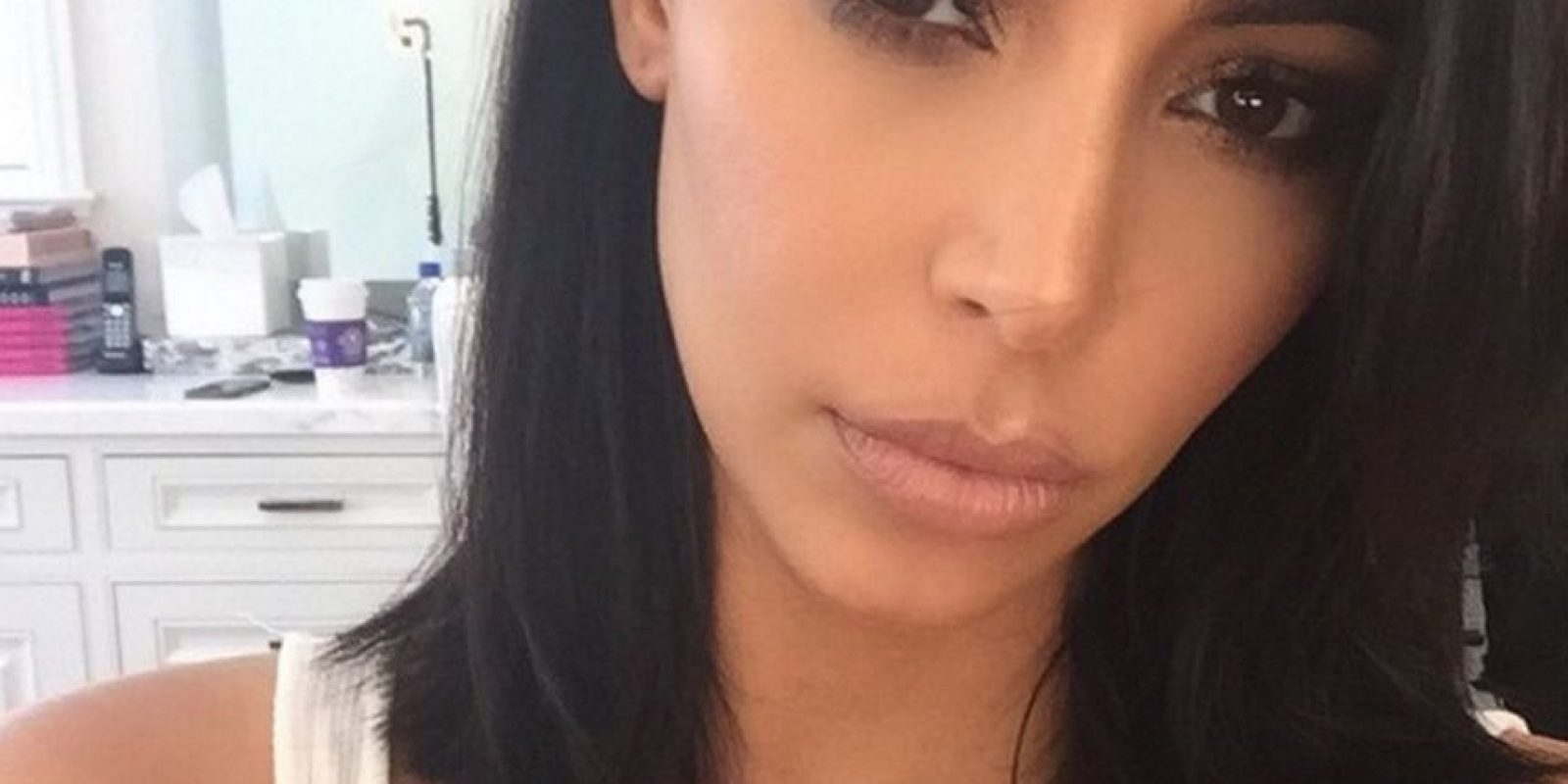 Optó por los ojos azules Foto:Instagram Kim Kardashian