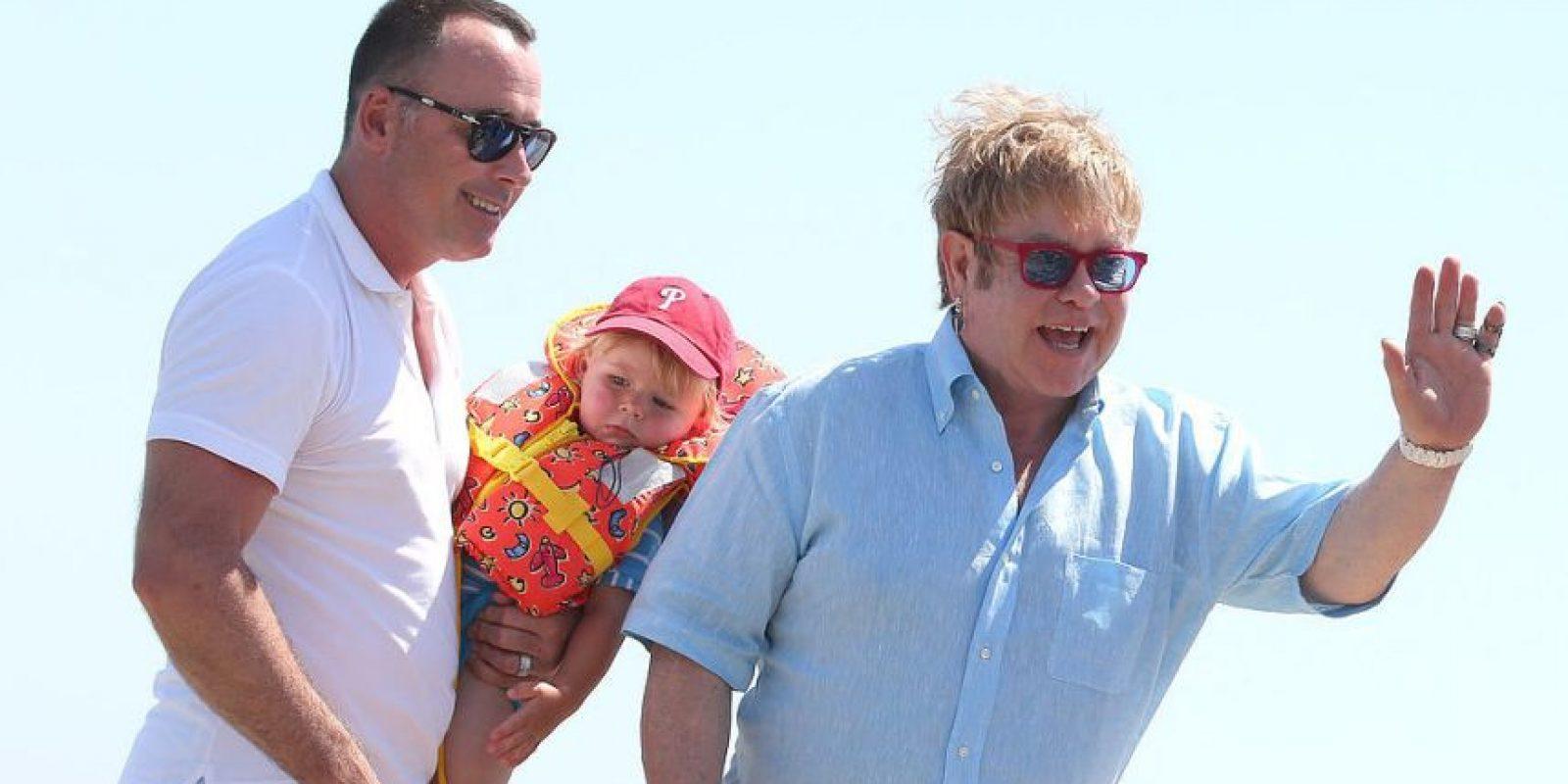 Elton John y su esposo David Furnish, son padres de dos pequeños niños.