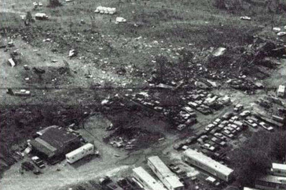 25 de mayo – El vuelo 191 de American Airlines se estrella en el Aeropuerto Internacional de O'Hare. Mueren 271 personas y se convierte en uno de los peores accidentes aéreos de Estados Unidos. Foto:Wikipedia