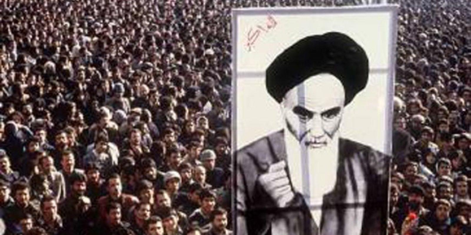 1 de abril – Irán se convierte en una república Islámica Foto:Wikipedia