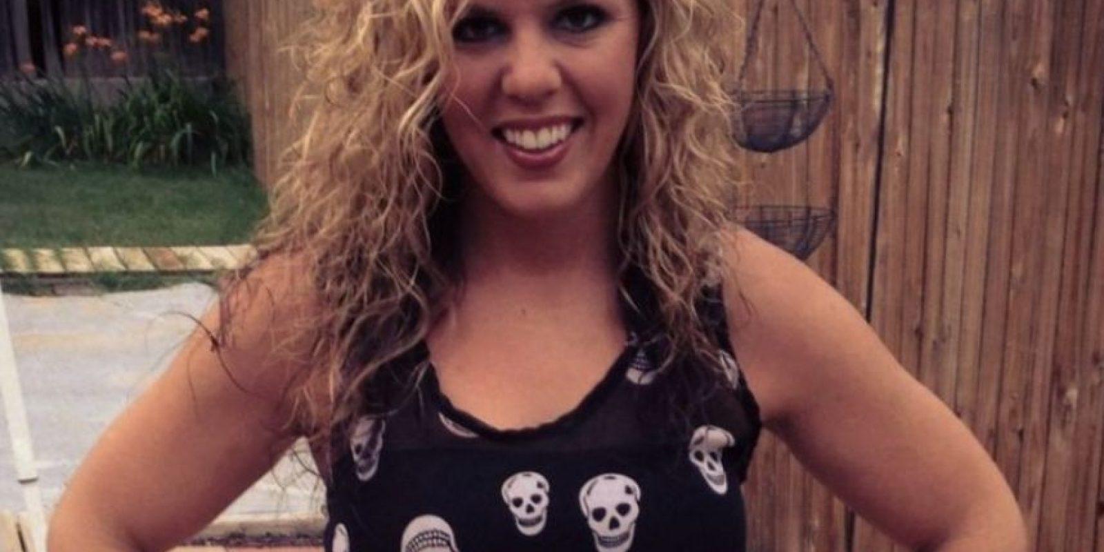 Whitney Fetters de 28 años, envió por lo menos 20 selfies mostrándose totalmente Foto:Twitter