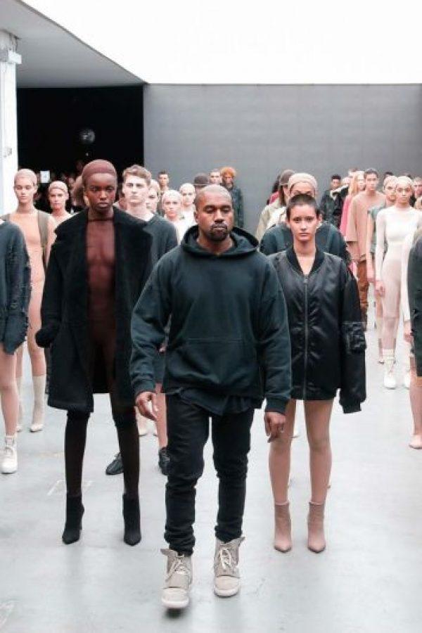 En la Semana de la Moda de Nueva York Kanye West no podía pasar inadvertido. Foto:Getty Images