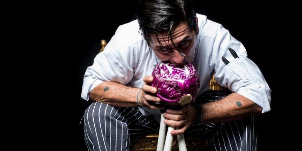 Entrevista a Julián Hoyos: un ventrilo-chef en la cocina
