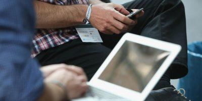 """El doctor Barberá recomienda """"una serie de medidas"""" se trabaja frente a una pantalla de ordenador, como: Foto:Getty Images"""