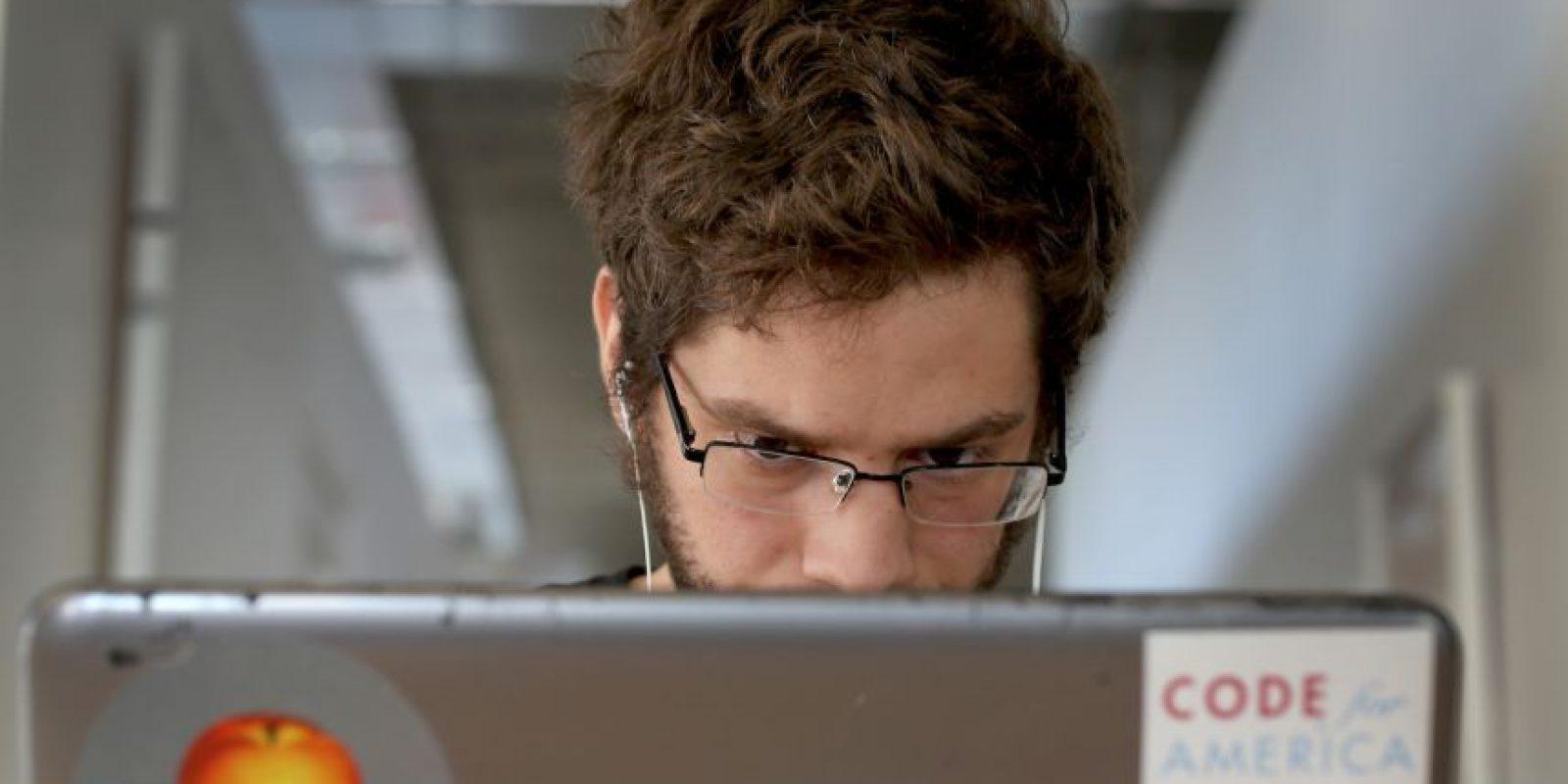 El oftalmólogo Emanuel Barberá, oftalmólogo del Centro Quirón de A Coruña en España, mencionó: Foto:Getty Images