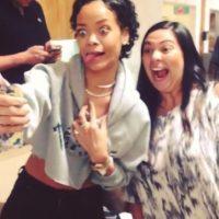 4.- Porque tomarse una selfie con Rihanna es una experiencia inolvidable Foto:Instagram/badgalriri