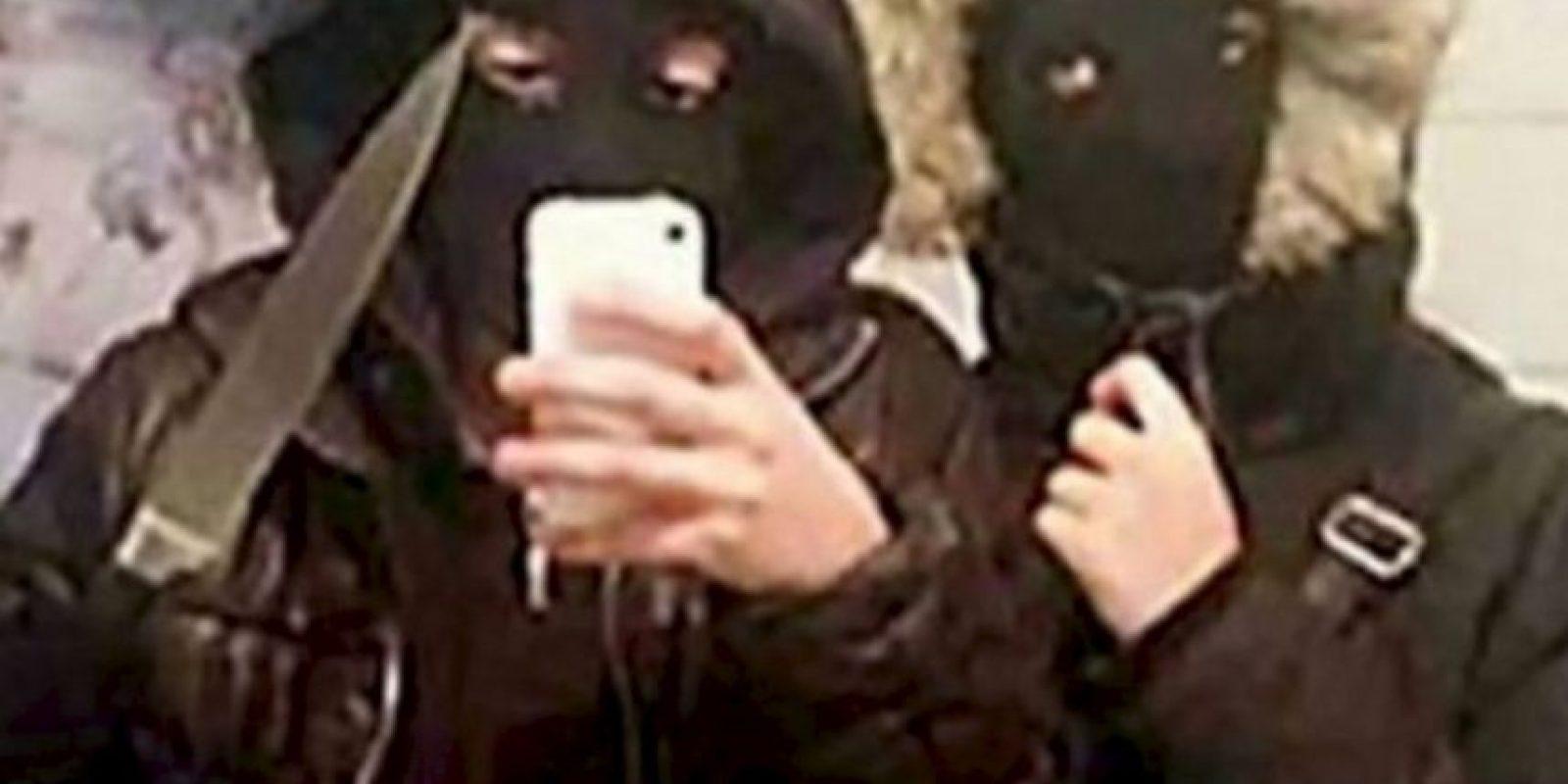Estos adolescentes se retrataron momentos antes de robar 400 dólares. Foto:Twitter