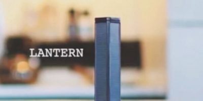 """Lantern. El fino dispositivo llamada """"linterna"""", un sistema de almacenamiento y recepción de datos, desarrollado por Outernet será un receptor completamente autónomo de alta velocidad, cargado por energía solar y resistente a la intemperie que crea un punto de acceso inalámbrico para permitir que los dispositivos con Wi-Fi puedan acceder al contenido. Foto: FOCUS"""